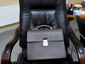 В Салаватском районе директор рынка уволен за попытку усидеть на двух креслах.